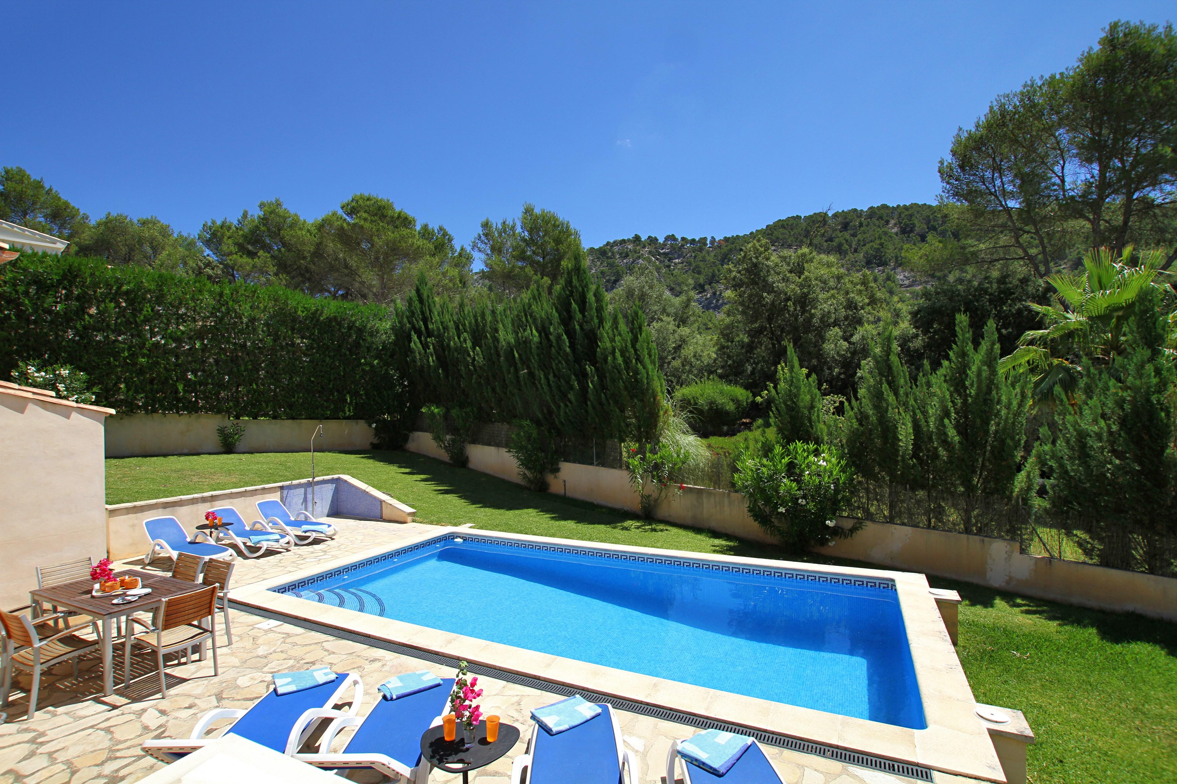 Can Rueda is a holiday Villa in Pollensa, Mallorca (Spain