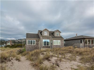 The Sunset #118 - Large comfortable beachfront home in Pacific City. Pet friendly!