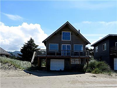 Harvest Moon #176 - Charming older beach cabin across the street from the Beach in desirable Kiwanda