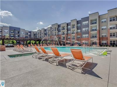 Modern Germantown Two Bed Ten Min to Downtown Nashville