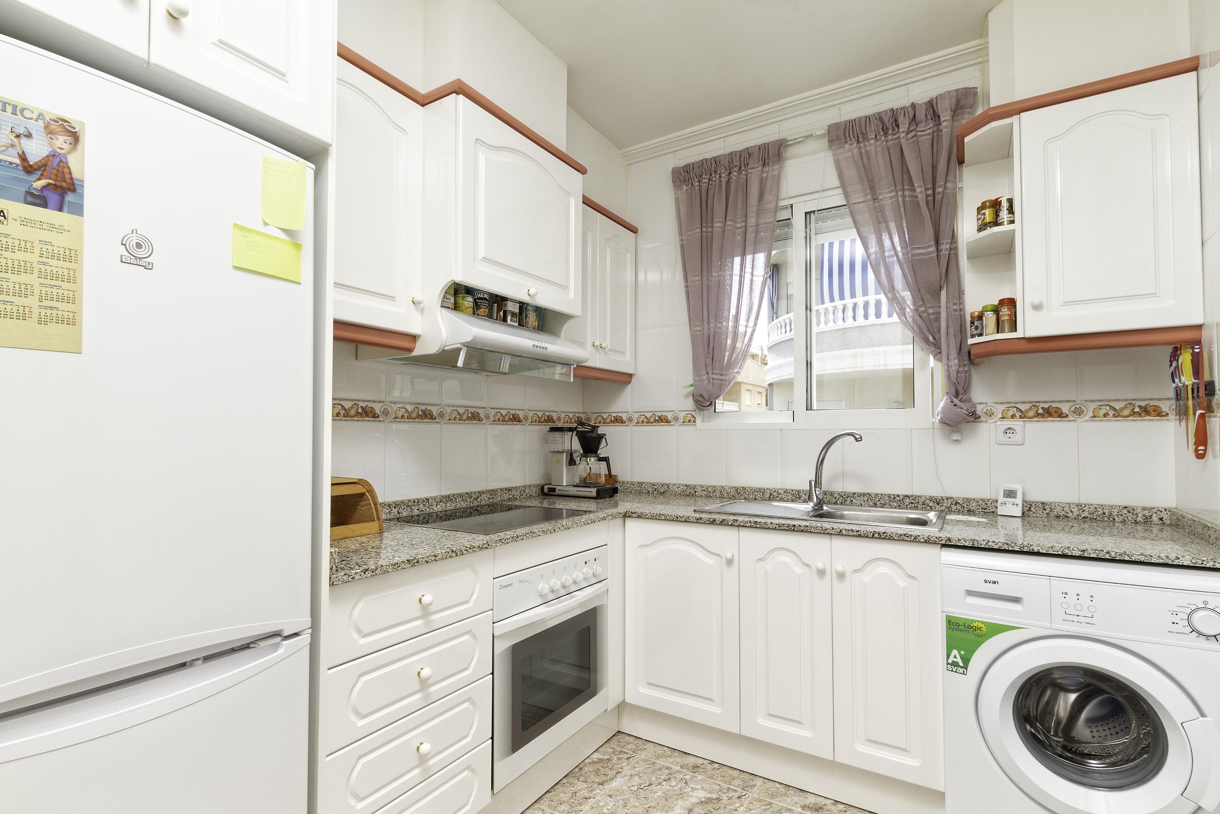 Appartement de vacances Geräumige Wohnung nur 500 Meter vom Strand entfernt (2611011), Torrevieja, Costa Blanca, Valence, Espagne, image 4