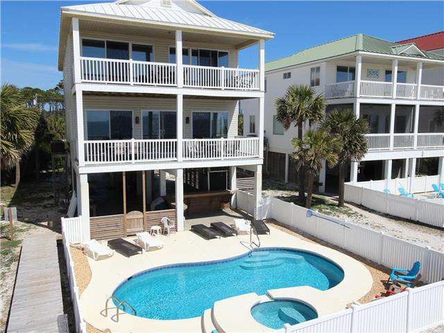 GULF FRONT, PRIVATE POOL WITH HOT TUB, PRIVATE BOARDWALK, SLEEPS 16