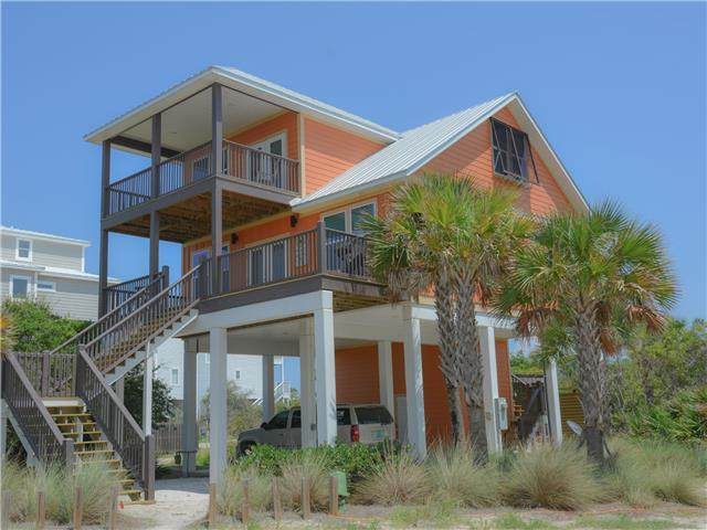 4 Bedroom, 3 Bath, gulf view home, pet friendly, hot tub, fire pit, short stroll to beach!