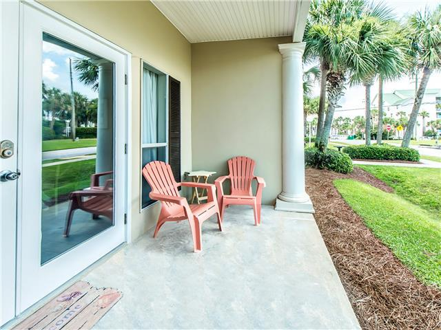 Ground Floor-Beach is right across the Street!