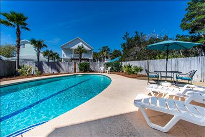 PRIVATE Pool☼Outdoor Shower☼Walk2Beach☀Inspected&Disinfected☀4BR Wildwood Cottage