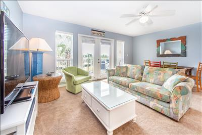 Dec-Feb $1250/mo☀️Across Bch☀️Pool View☀️2XDisinfected☀️Gulf Place Caribbean 309