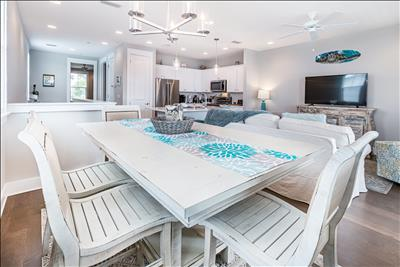 NEW Seagrove-Pool-Pet Friendly☀️2 Step Sanitizing Process☀️3BR Inn to the Mystic