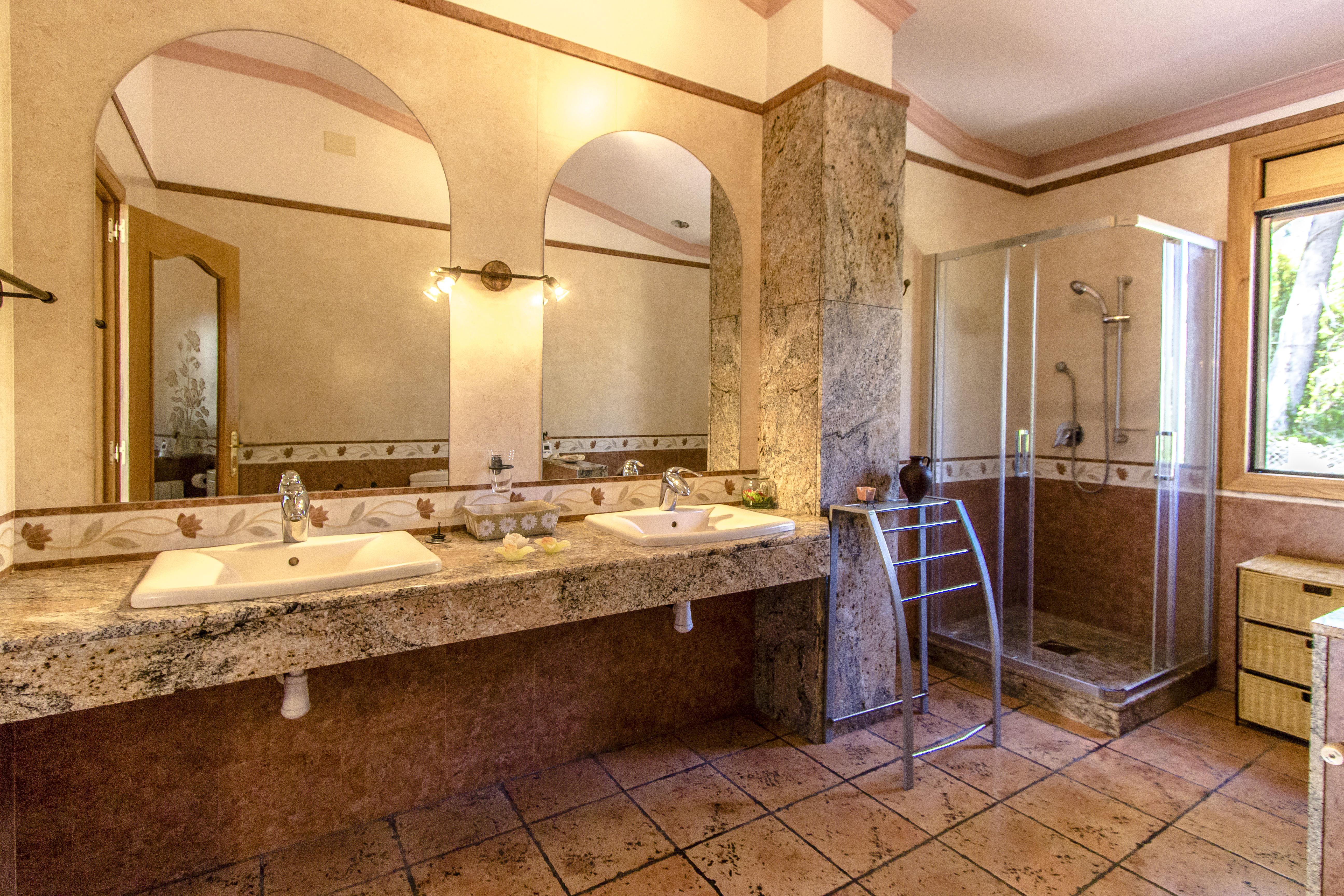 Ferienhaus Catalunya Casas: Fantastic villa in Torrelles, just 15 km from Barcelona! (1890843), Can Guey, Costa del Garraf, Katalonien, Spanien, Bild 30