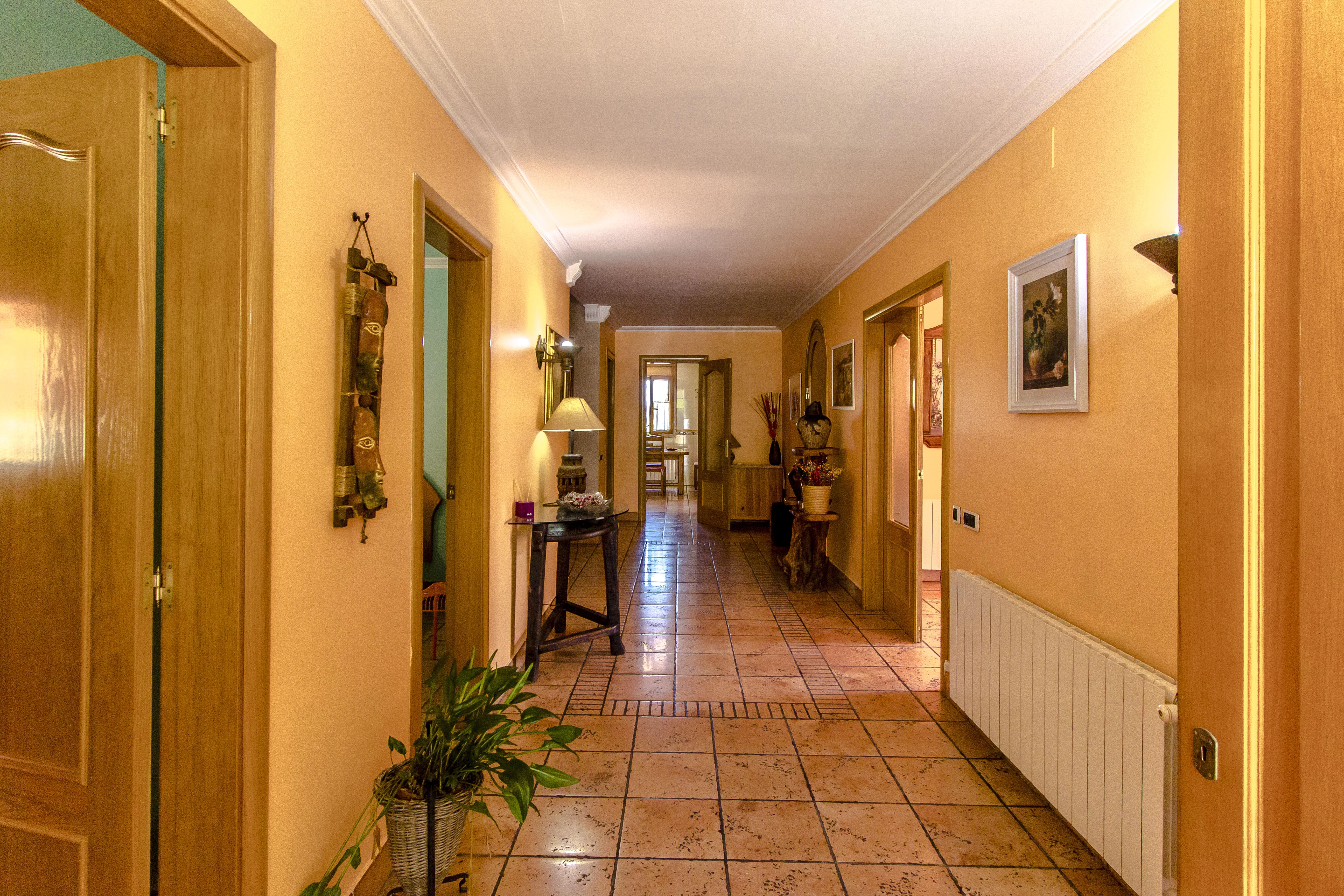 Ferienhaus Catalunya Casas: Fantastic villa in Torrelles, just 15 km from Barcelona! (1890843), Can Guey, Costa del Garraf, Katalonien, Spanien, Bild 17