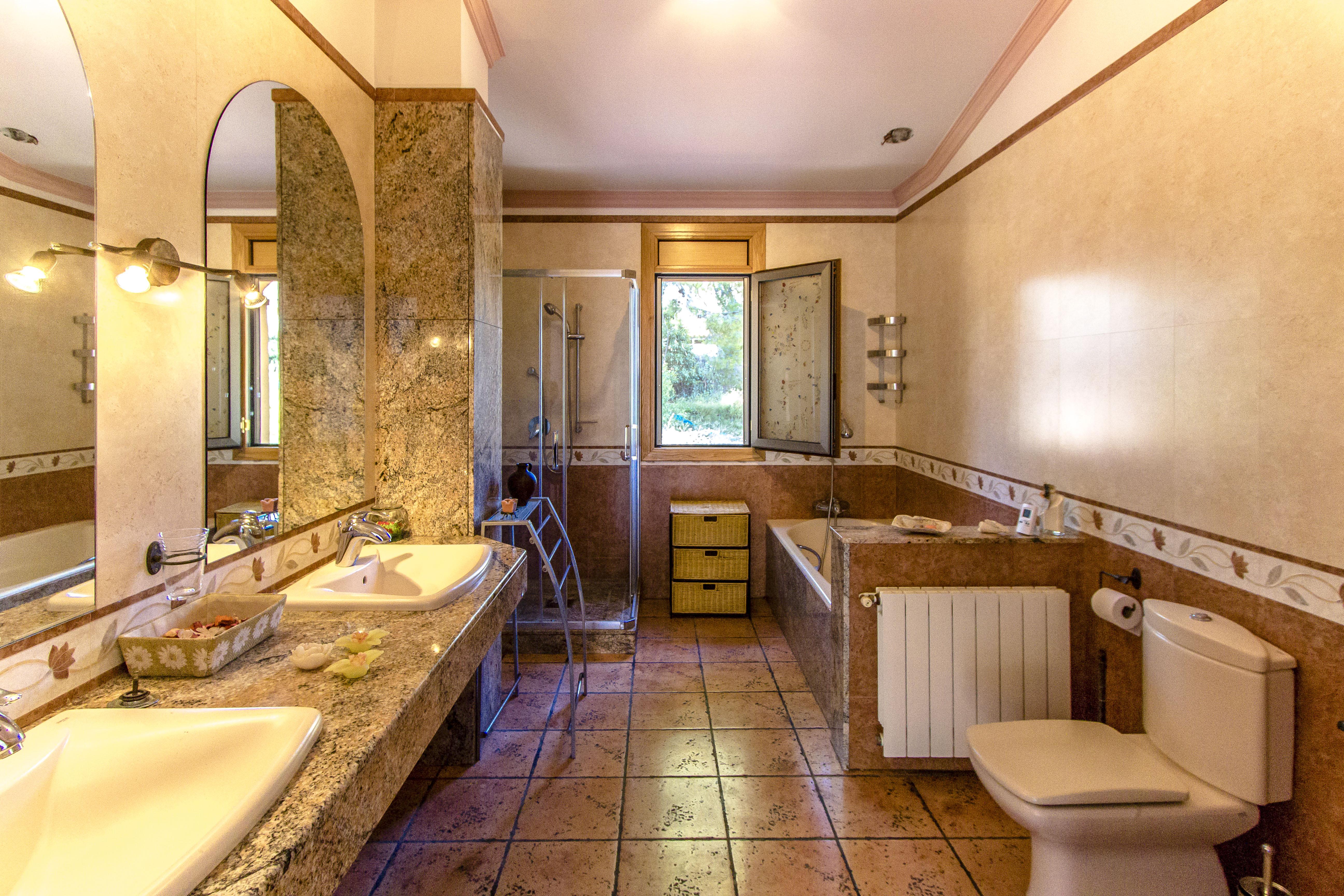 Ferienhaus Catalunya Casas: Fantastic villa in Torrelles, just 15 km from Barcelona! (1890843), Can Guey, Costa del Garraf, Katalonien, Spanien, Bild 29